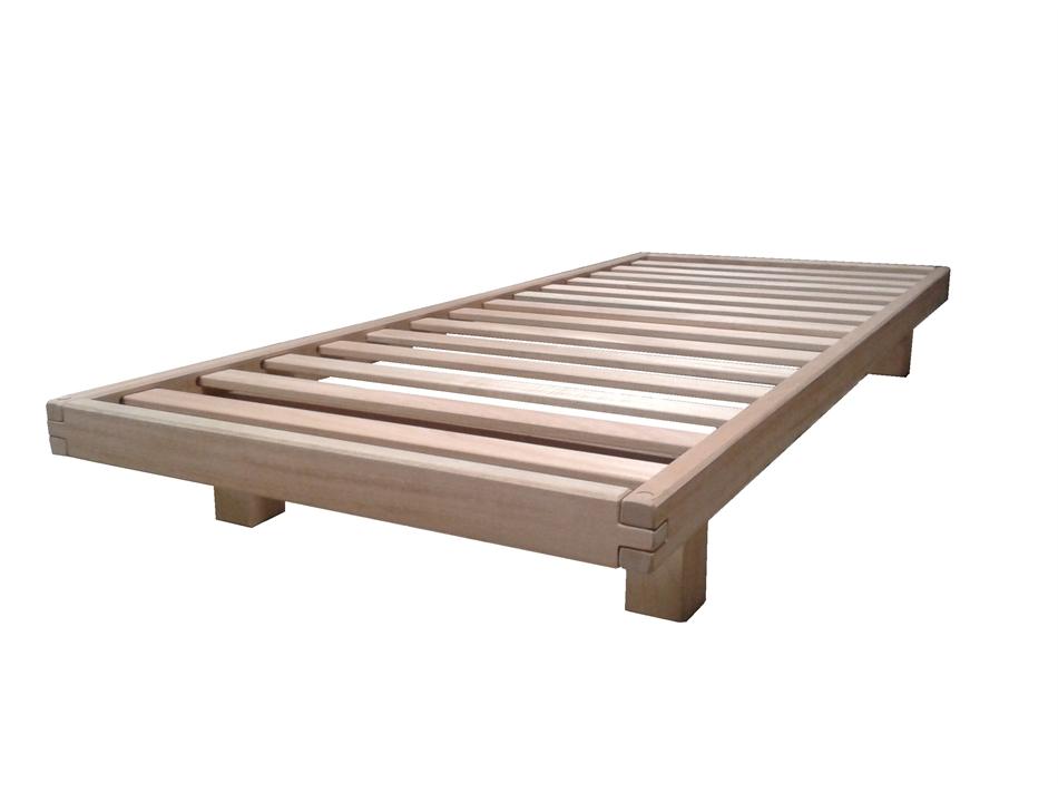 Letto wood in legno con doghe singolo arredo e corredo for Letto singolo con materasso